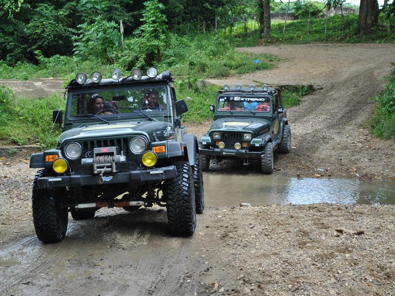 Phong Nha Jeep tour